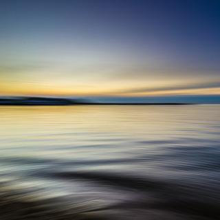 calm-waters-1850149_1920-7f914.jpg