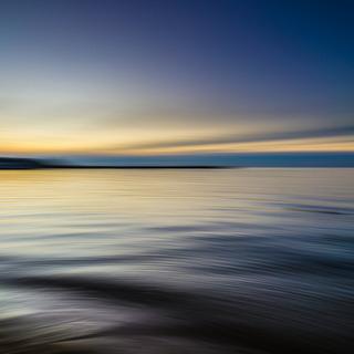 calm-waters-1850149_1920.jpg